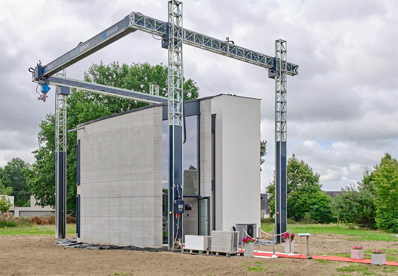 Europe's largest 3D printer prints an entire two-story house