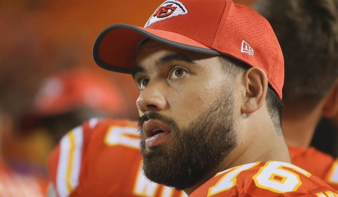 Kansas City Chiefs' Laurent Duvernay-Tardif opts out of NFL season to fight on coronavirus front lines