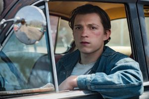 Tom Holland v Robert Pattinson in Netflix's The Devil All the Time trailer