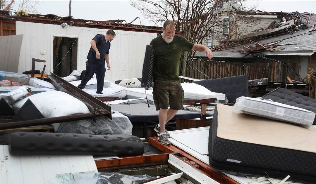 14 dead in Louisiana and Texas from Hurricane Laura