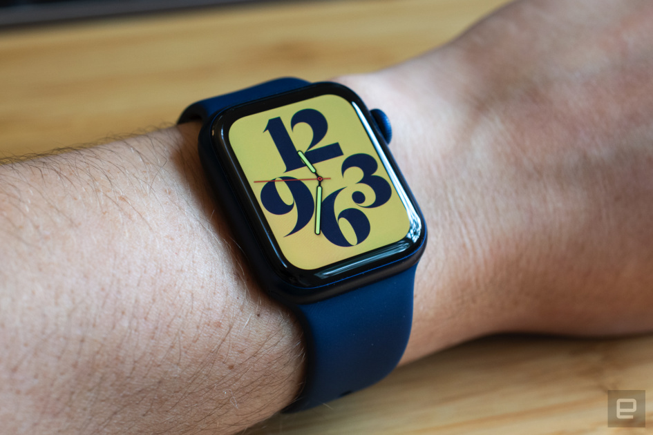The Apple Watch Series 6 falls to new low of $350 at Amazon
